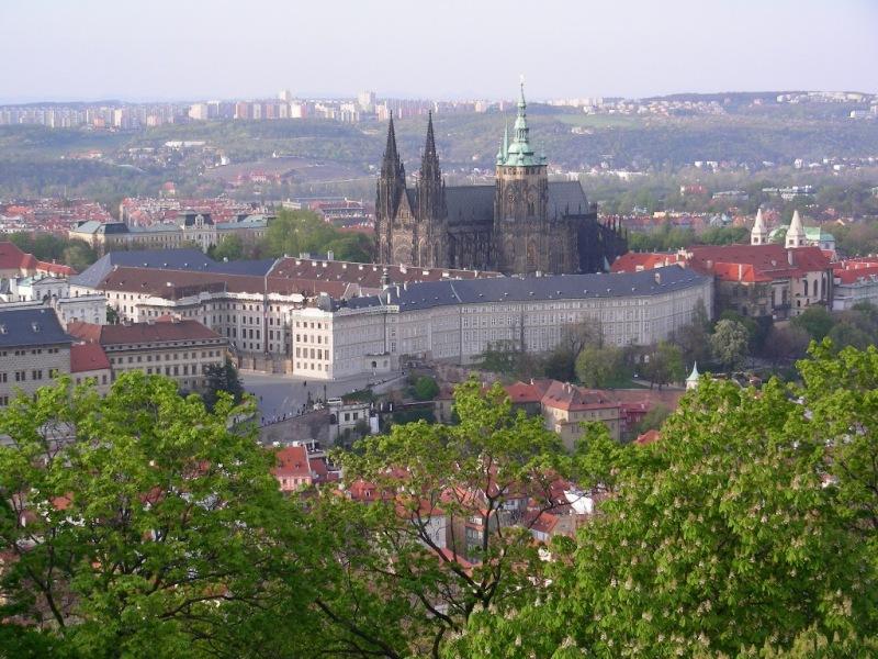 Praga mala strana piccolo quartiere for Gradini del ponte curvi